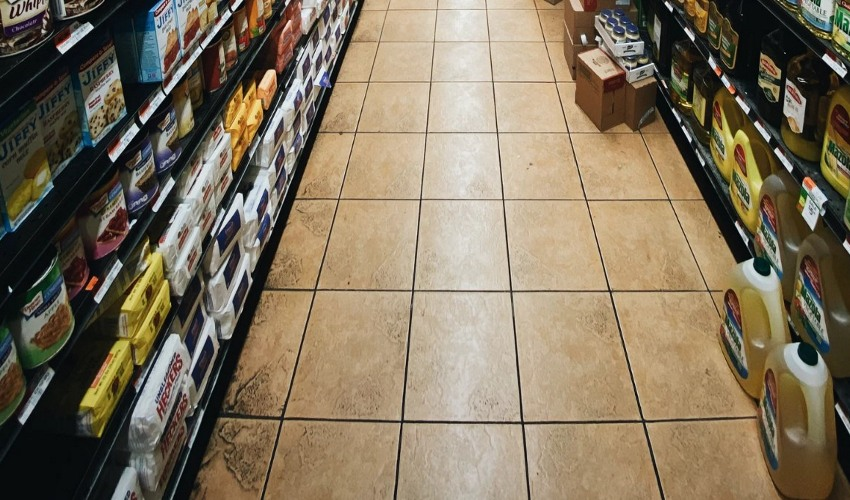 Baking aisle in a grocery store