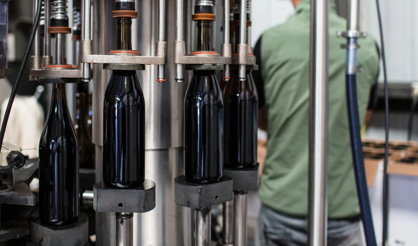 Automated wine packaging in a wine factory