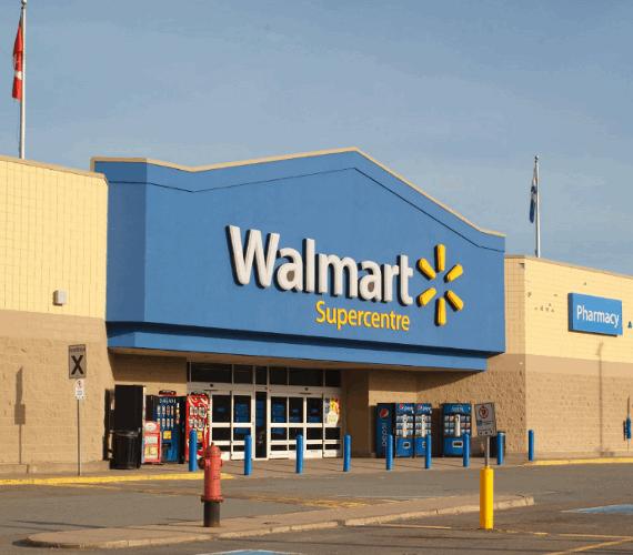 Front view of Walmart Supercentre building